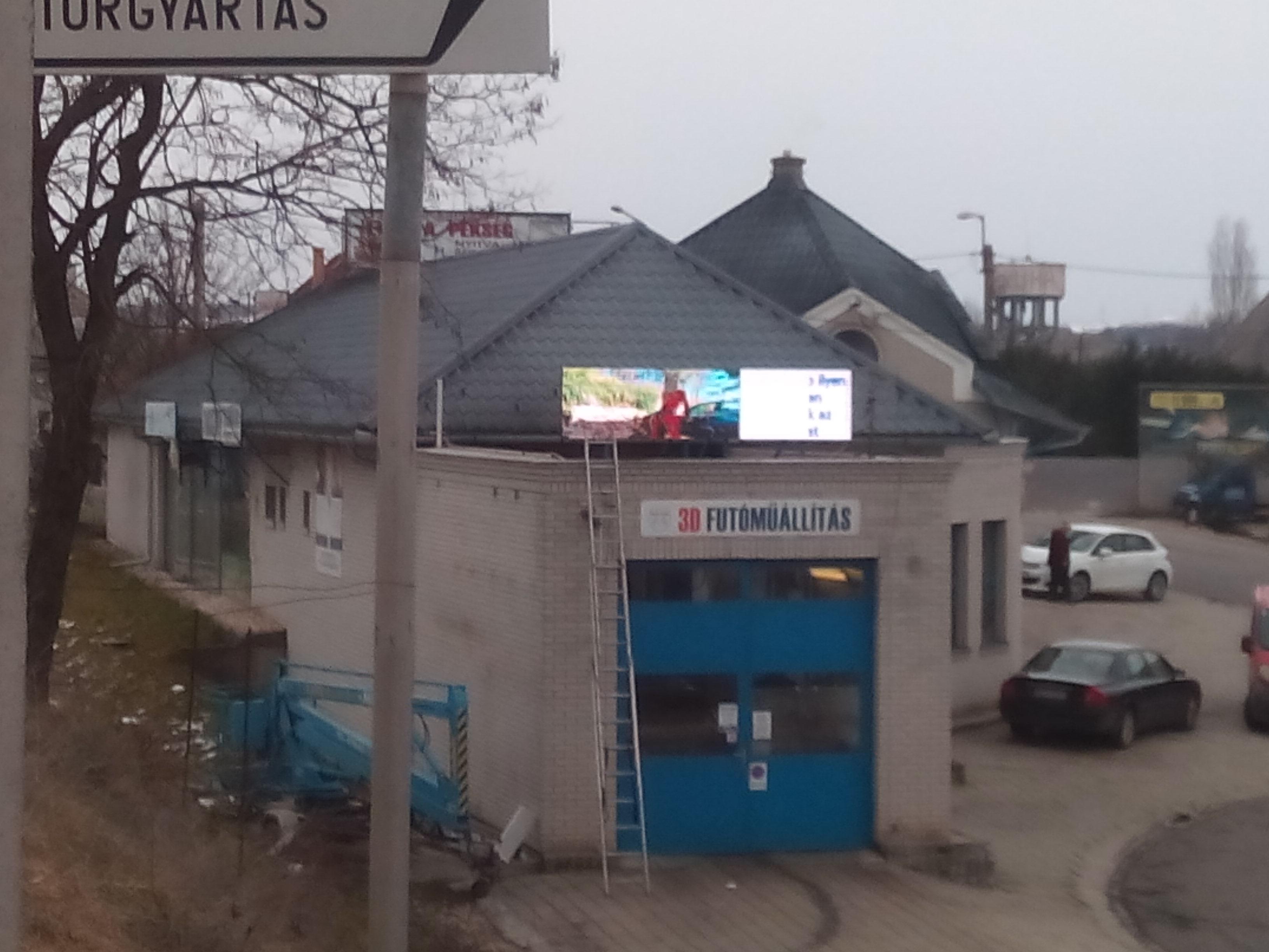 Gödöllő 3-as út mellett Autómosó