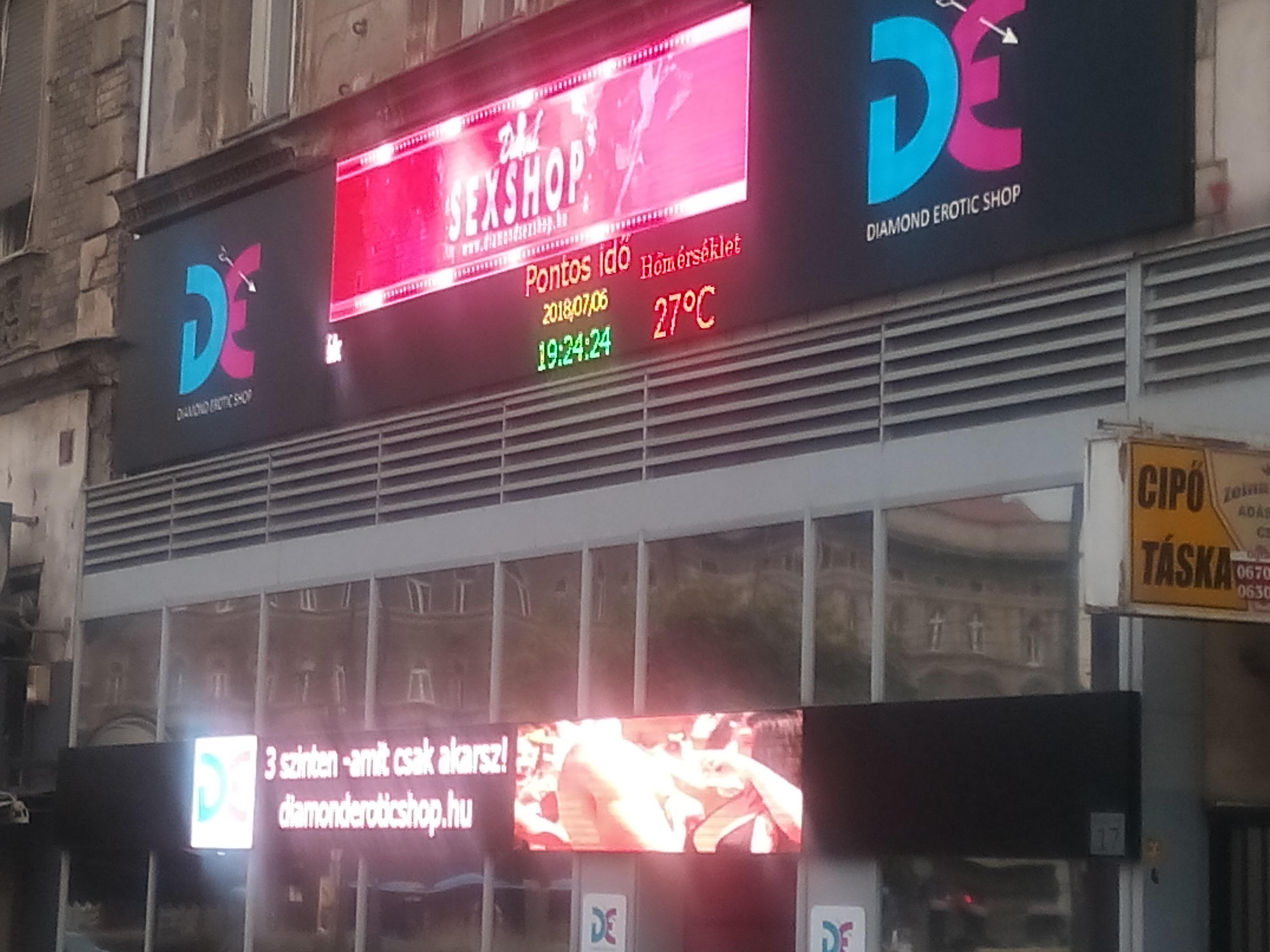 Diamond Erotic Shop Keleti Pályaudvar 2 LED fal