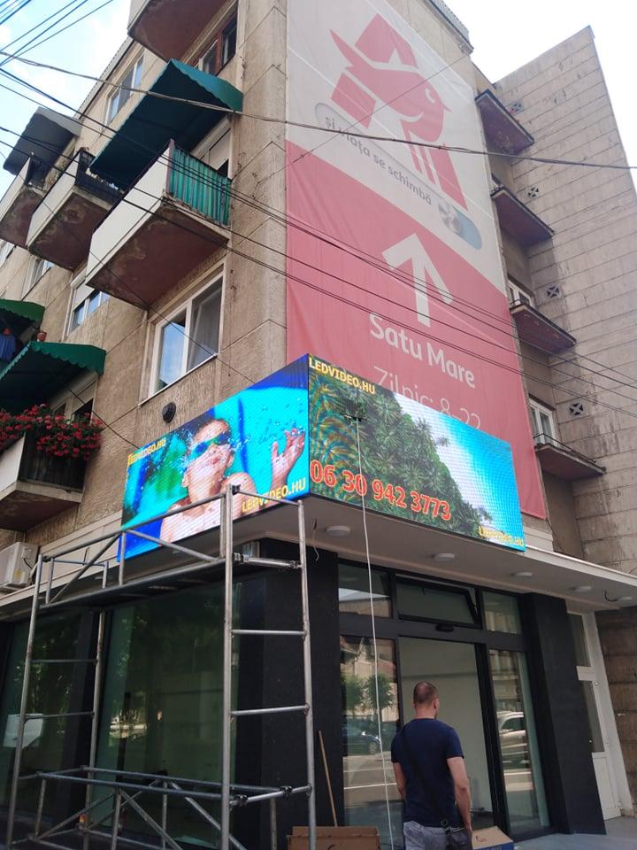 Szatmárnémeti Románia 90 fokban összeillesztett LED